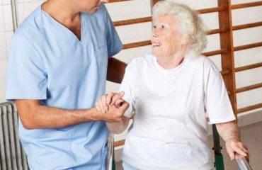 fisioterapia a domicilio de personas mayores y ancianos